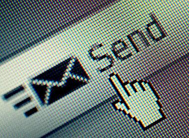 Envíenos un Email